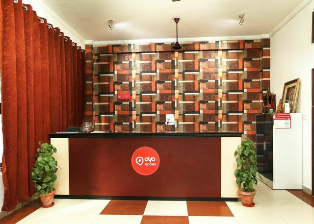 OYO_rooms_Noida_Film_City_(3)_w