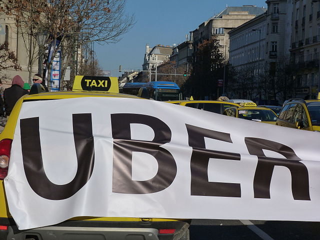 https://upload.wikimedia.org/wikipedia/commons/thumb/c/cc/Protest_against_Uber_-_Budapest_2016.01.18_2.JPG/640px-Protest_against_Uber_-_Budapest_2016.01.18_2.JPG